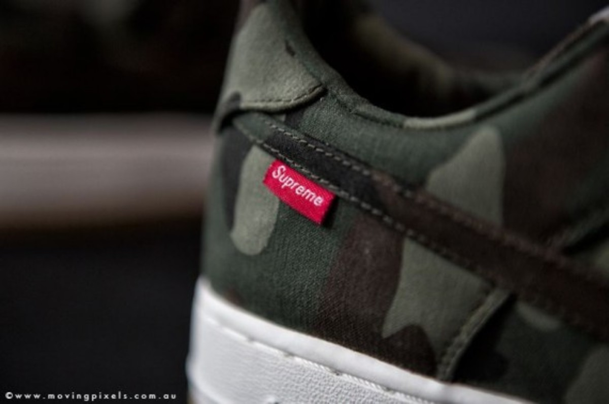 supreme-nike-air-force-one-low-camo-06