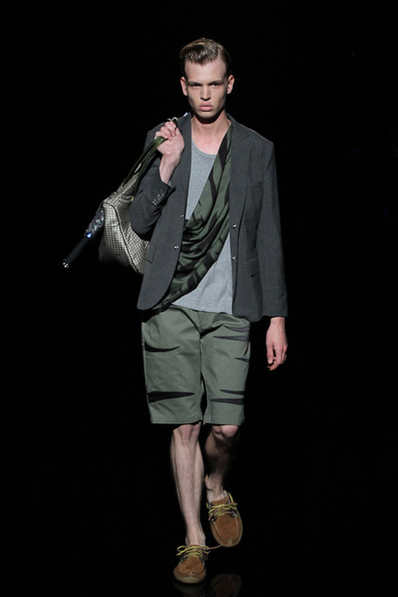 whiz-limited-spring-summer-2013-collection-runway-17