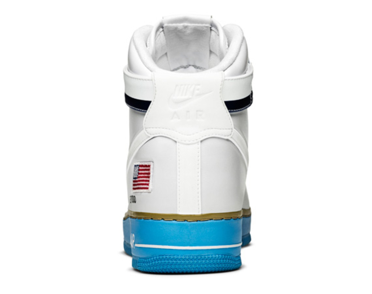 Nike-Air-Force-1-Hi-XXX-Anniversary-Presidential-Edition-10