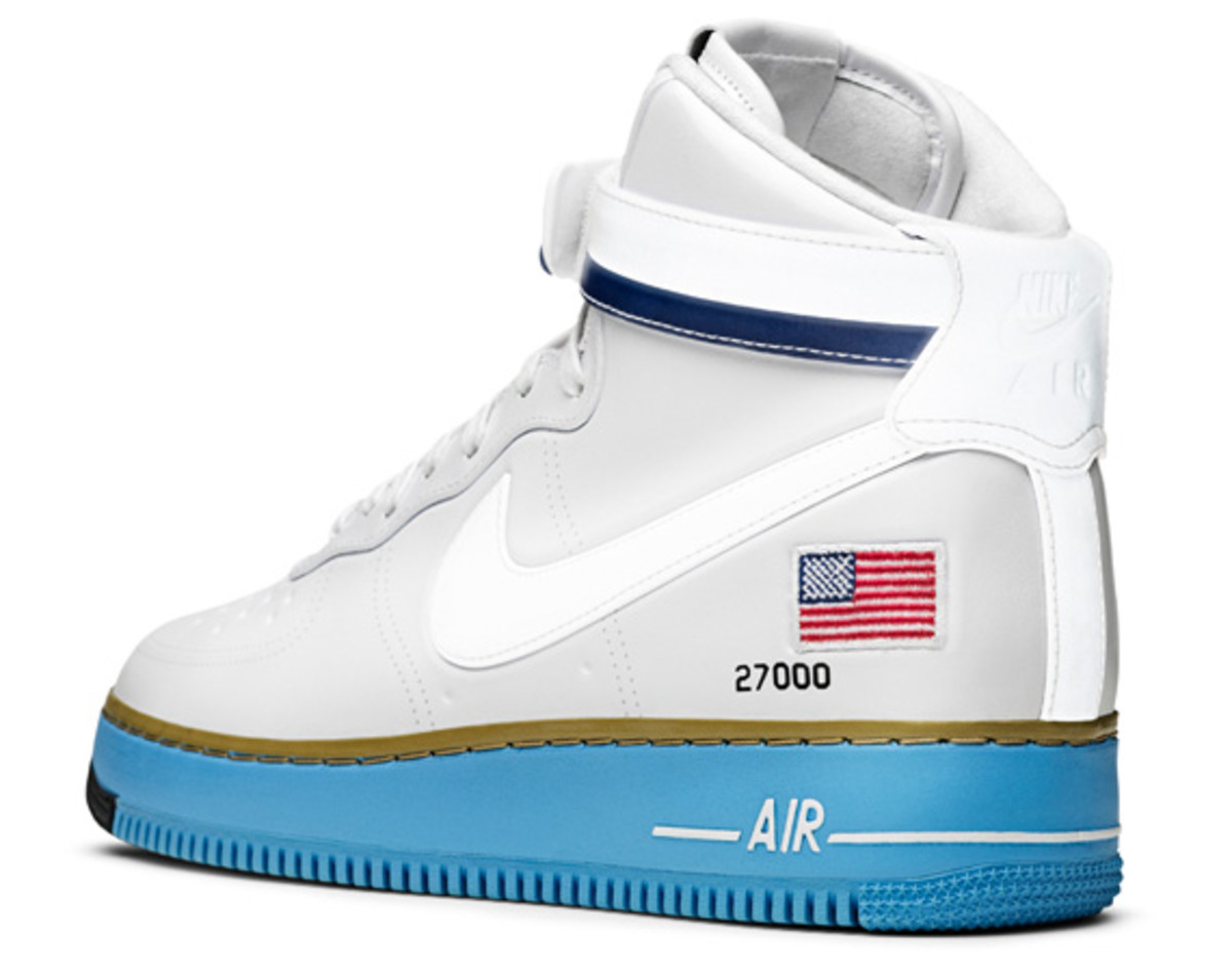 Nike-Air-Force-1-Hi-XXX-Anniversary-Presidential-Edition-09