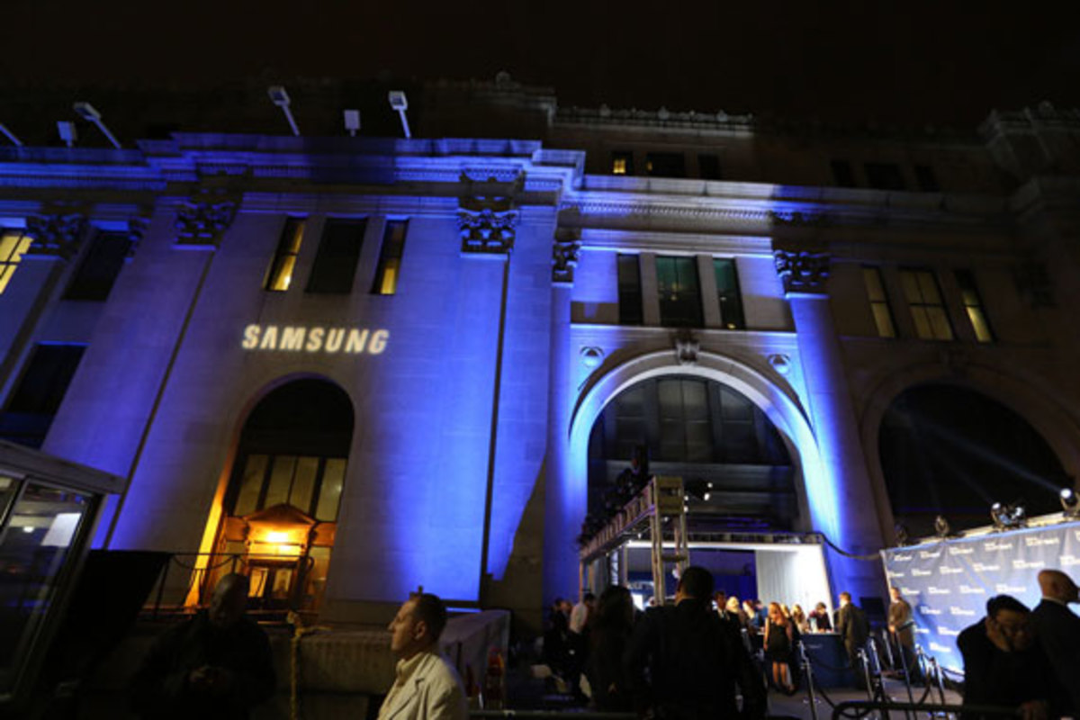 samsung-galaxy-note-II-launch-with-kanye-west-19
