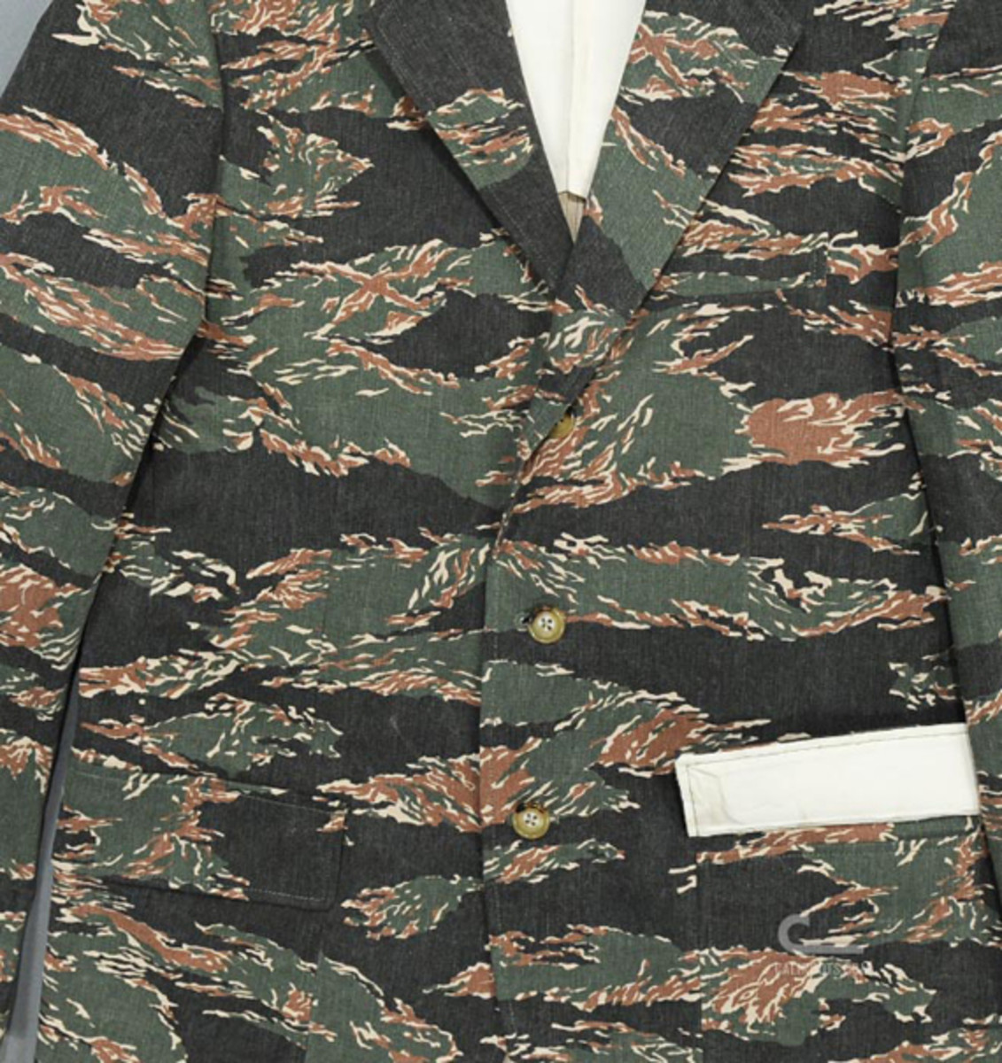 mr-bathing-ape-3-button-jacket-tiger-camouflage-10