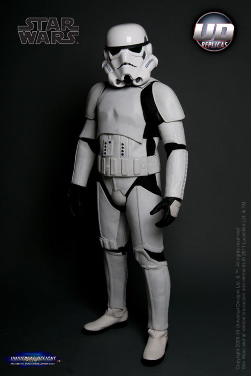 universal-designs-storm-trooper-motorcycle-suit-03