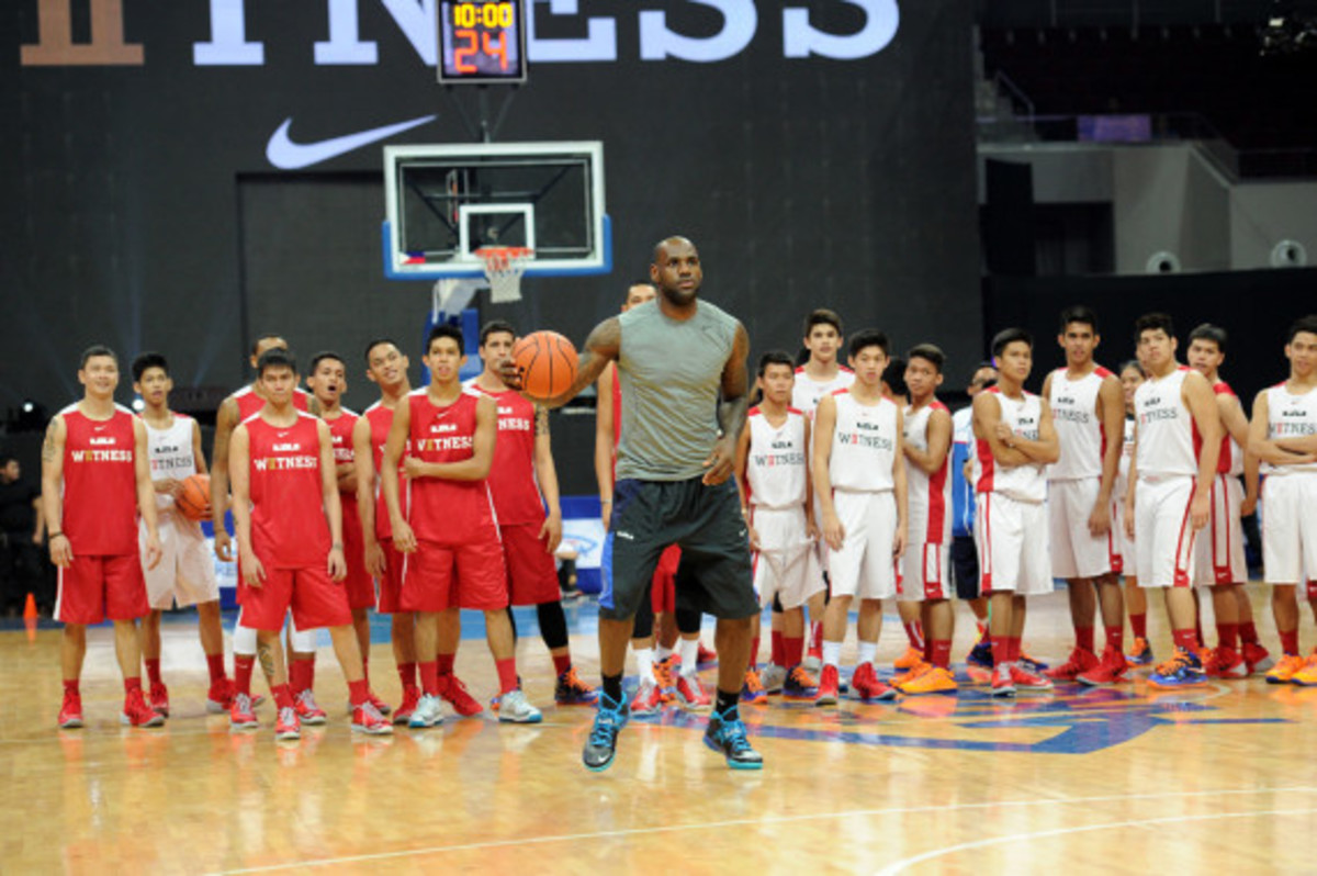 lebron-james-makes-first-visit-to-philippines-for-nike-basketball-tour-08