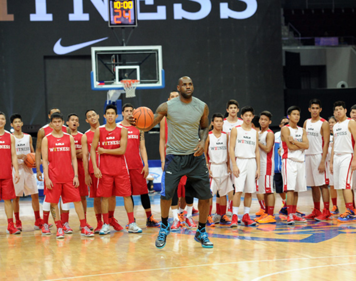 lebron-james-makes-first-visit-to-philippines-for-nike-basketball-tour-01