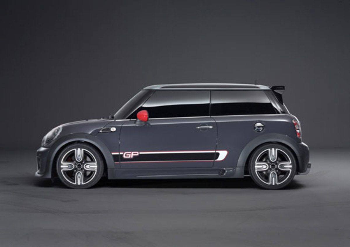 2013-mini-john-cooper-works-gp-21