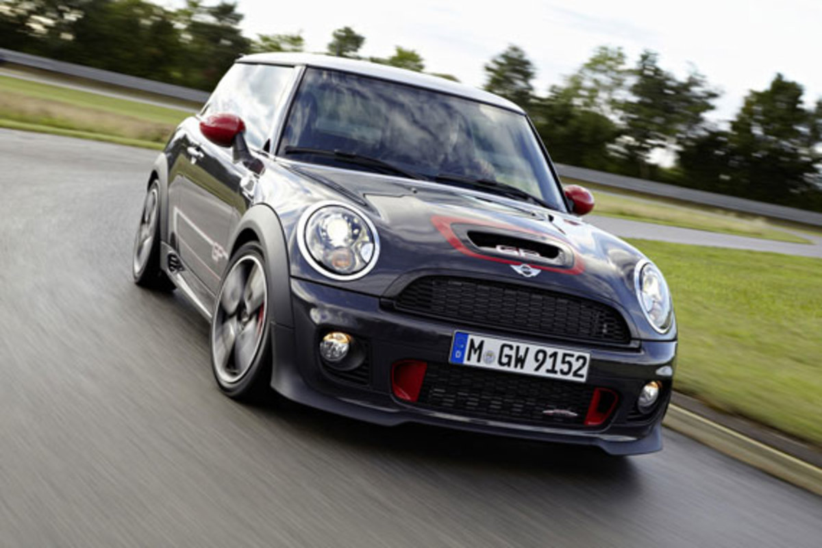 2013-mini-john-cooper-works-gp-09