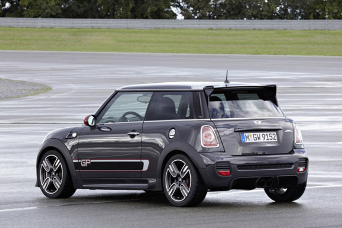 2013-mini-john-cooper-works-gp-05