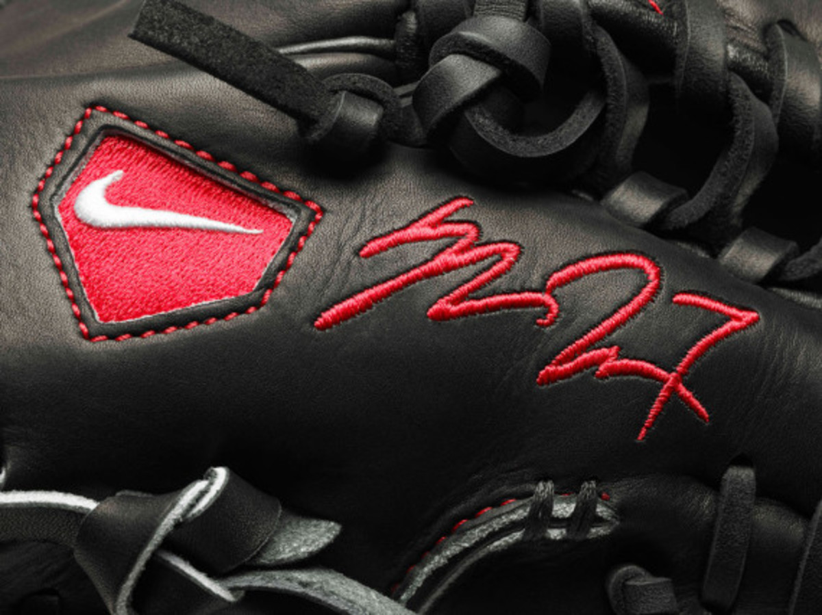 nike-baseball-player-edition-gloves-for-kemp-and-trout-03