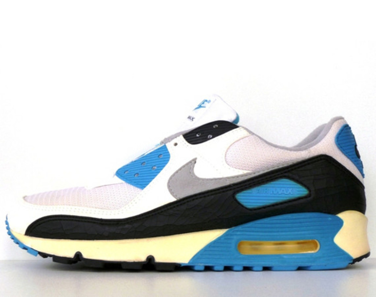 Sneakerpedia Can Also Double As A Showcase For Ones Personal Sneaker Collections Our Own Yu Mings Rotation Of Nike Air Max 1s Being