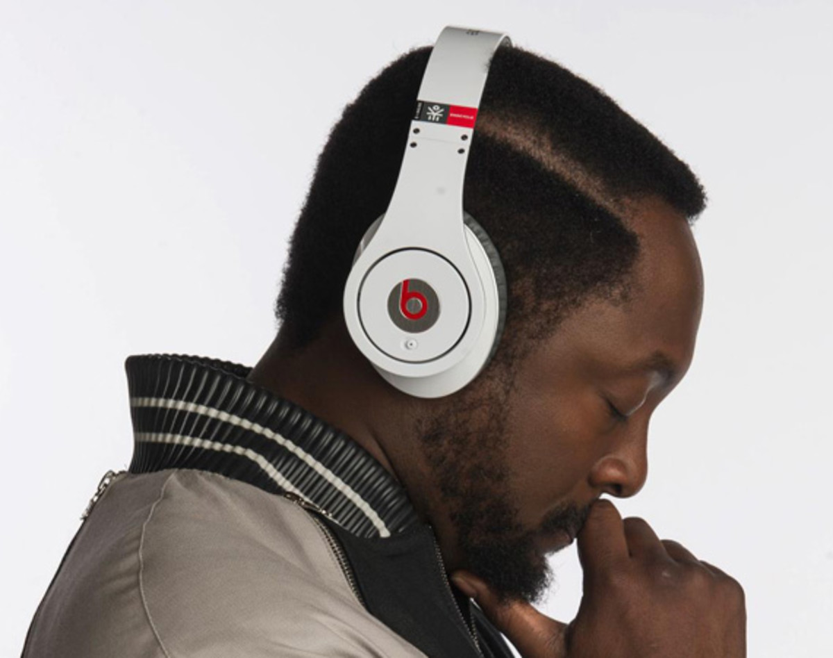 beats-by-dr-dre-studio-headphones-ekocycle-edition-william-coca-cola-00a