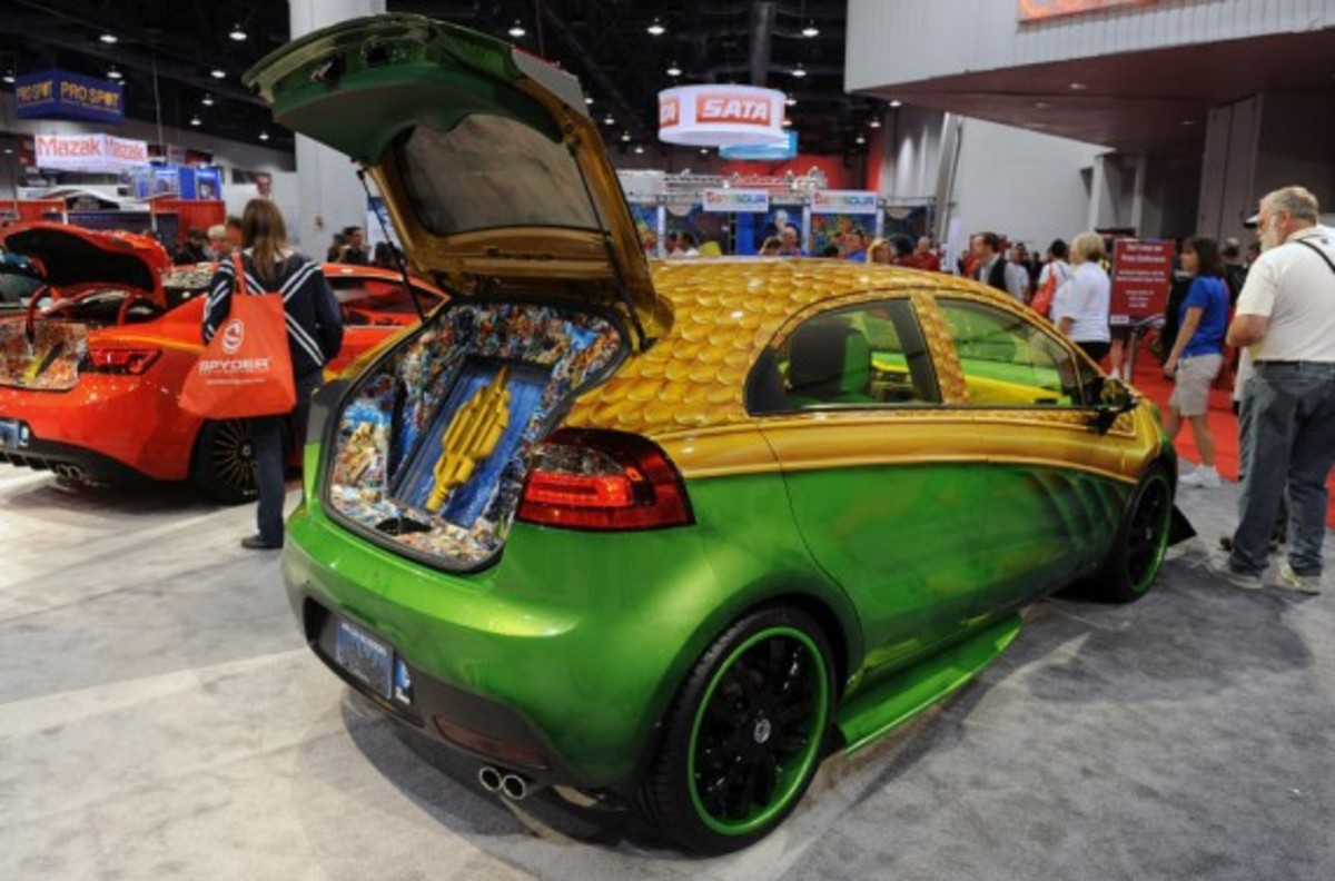 dc-comics-justice-league-x-kia-we-can-be-heros-charity-cars-12