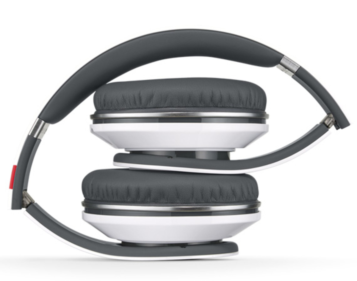 beats-by-dr-dre-studio-headphones-ekocycle-edition-william-coca-cola-09