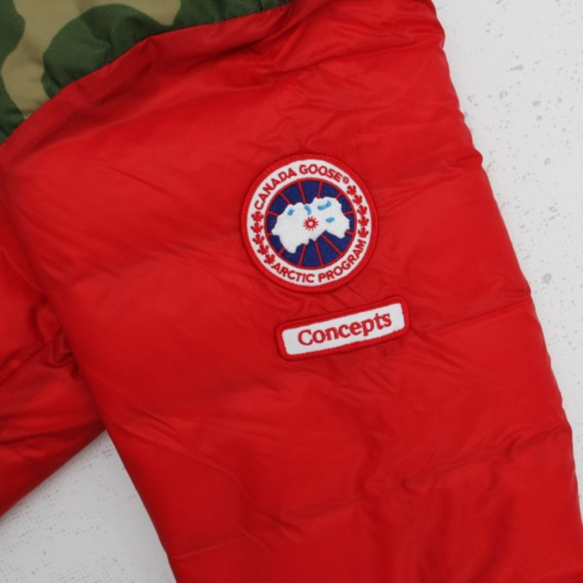 concepts-canada-goose-lodge-hoody-red-camo-08