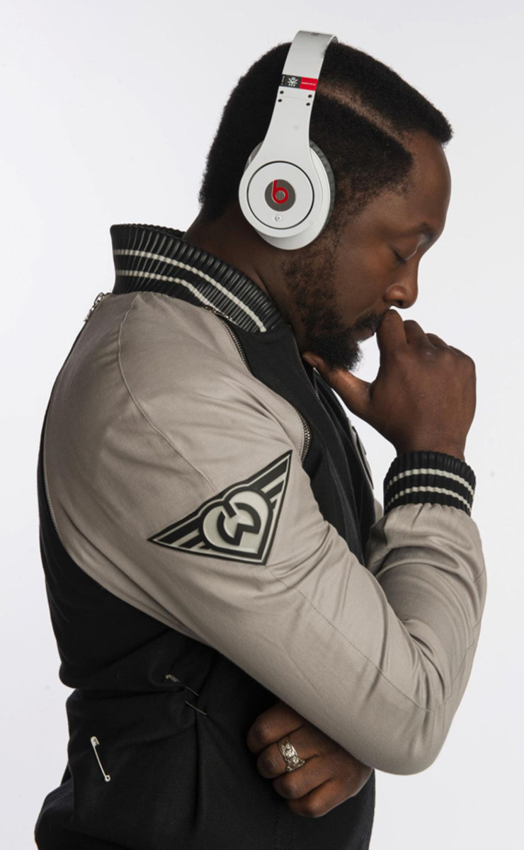 beats-by-dr-dre-studio-headphones-ekocycle-edition-william-coca-cola-00b
