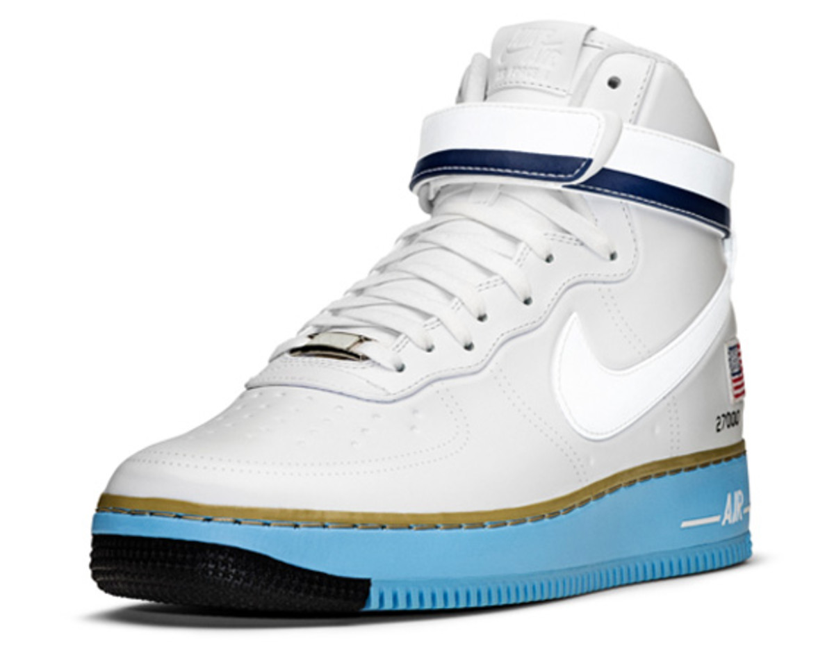 Nike-Air-Force-1-Hi-XXX-Anniversary-Presidential-Edition-13