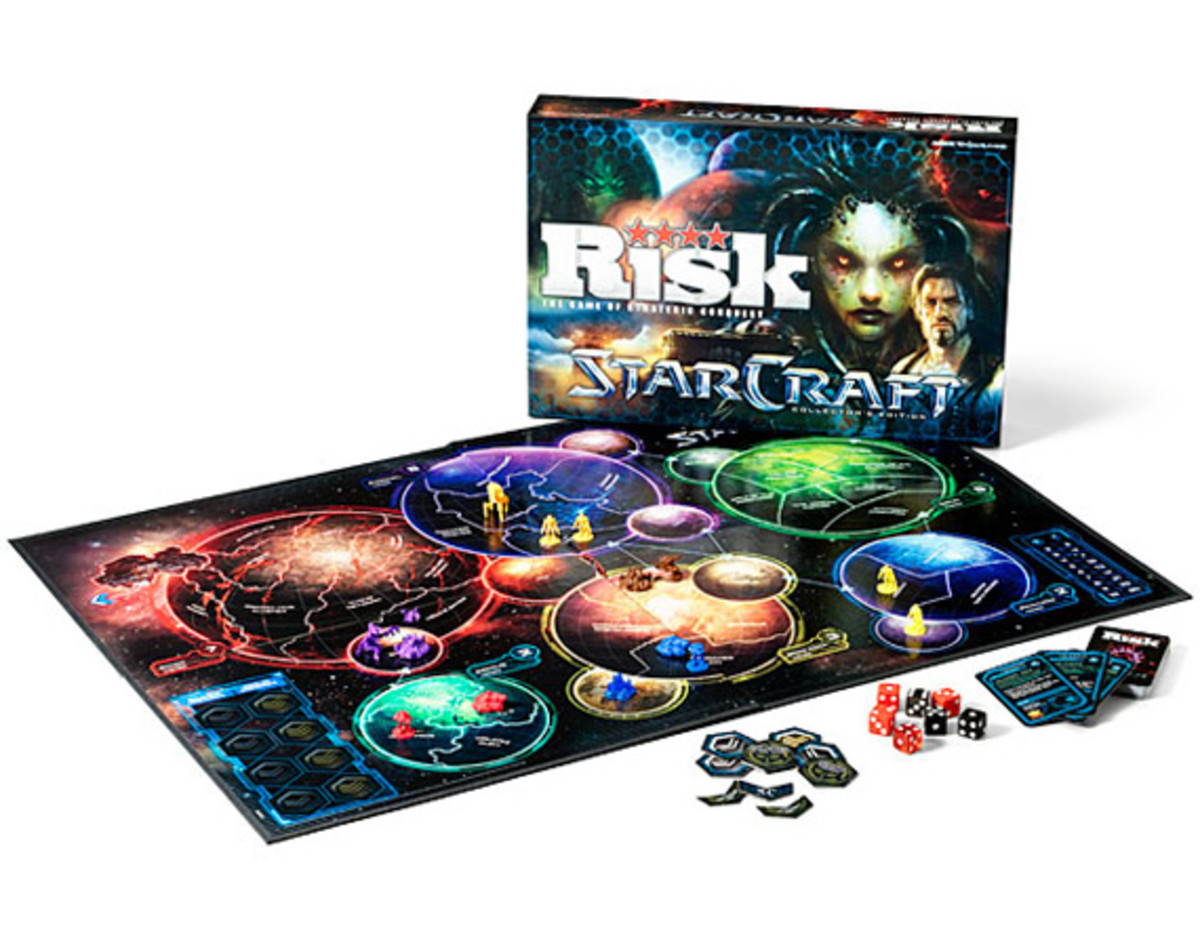 hasbro-blizzard-risk-starcraft-edition-board-game-01
