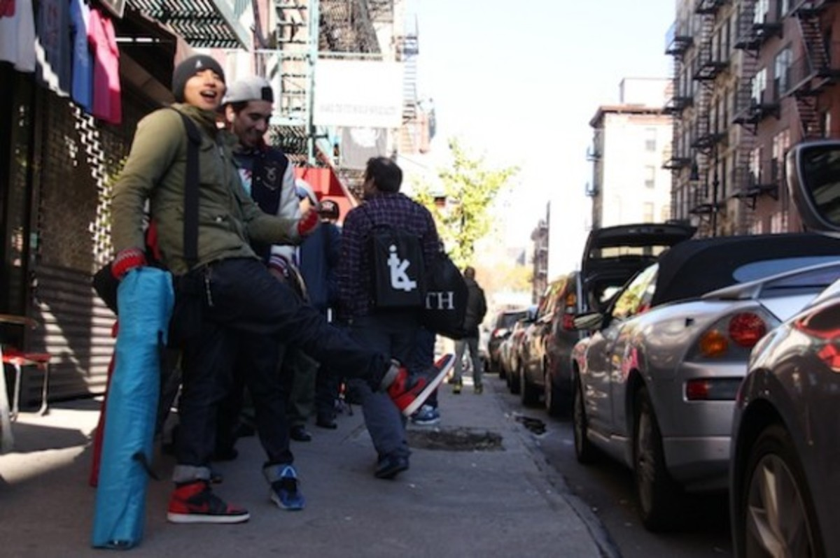 size-staple-design-new-balance-577-black-pigeon-launch-recap-04
