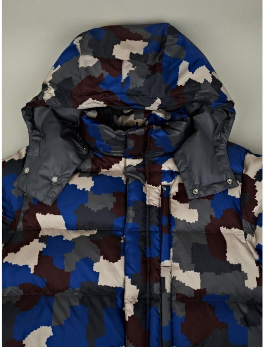 undercover-camo-down-feather-jacket-04
