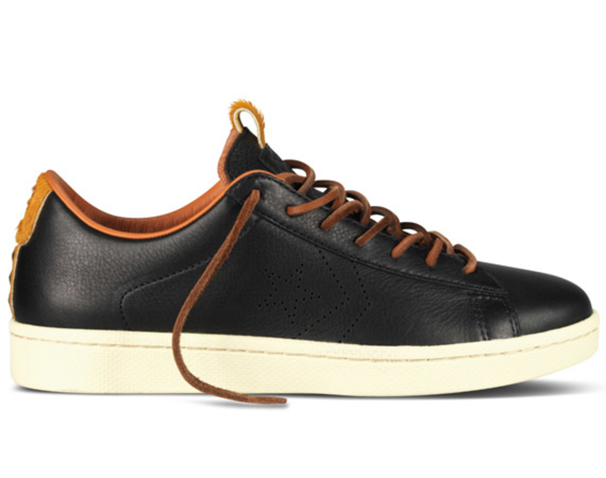 bodega-converse-first-string-pro-leather-holiday-2012-12