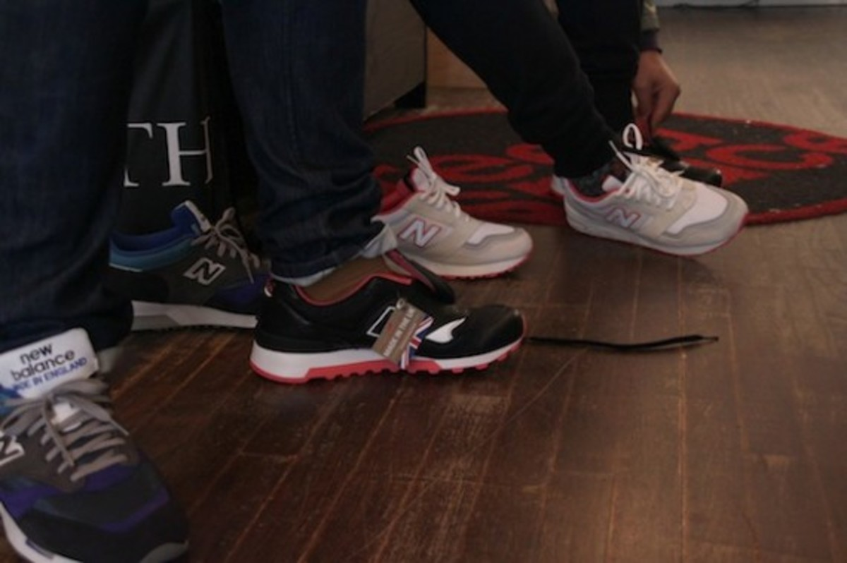 size-staple-design-new-balance-577-black-pigeon-launch-recap-07
