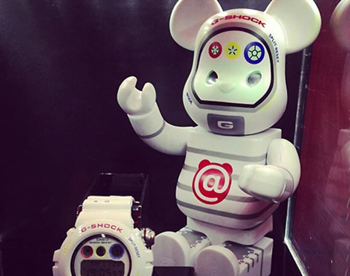 medicom-toy-casio-g-shock-30th-anniversary-bearbrick-00