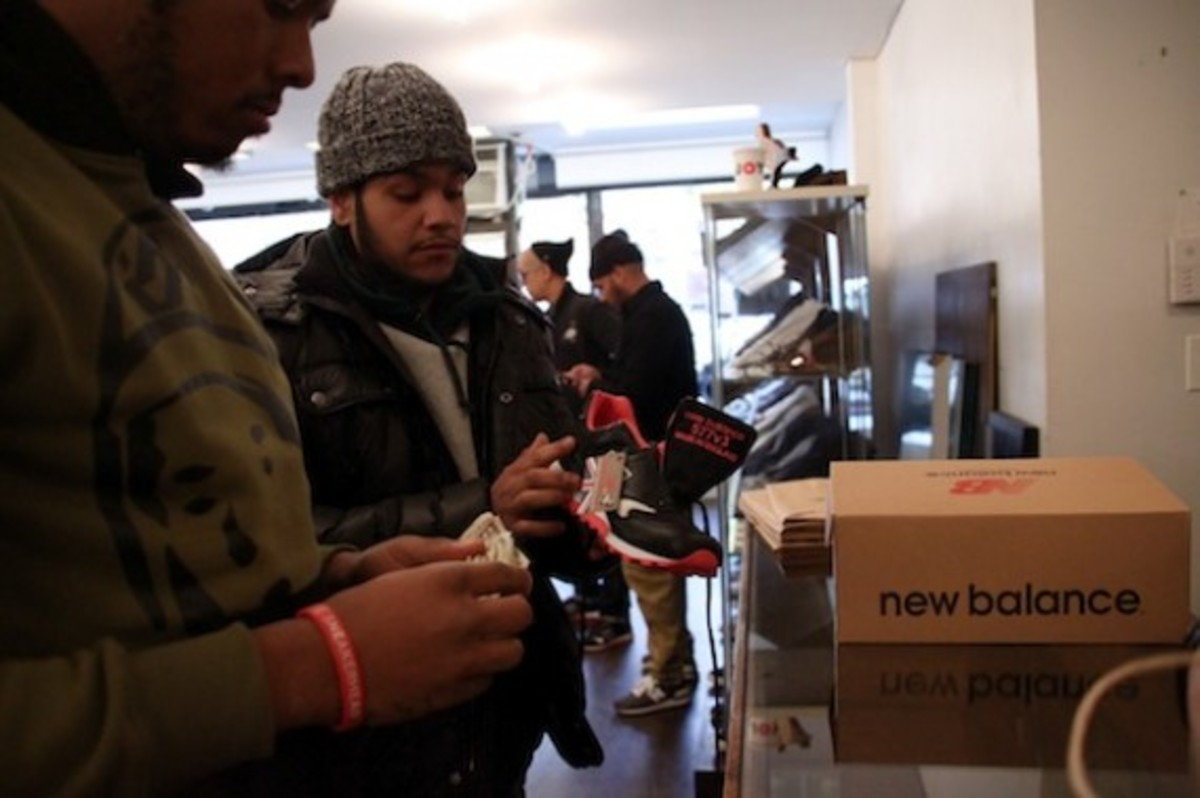 size-staple-design-new-balance-577-black-pigeon-launch-recap-06