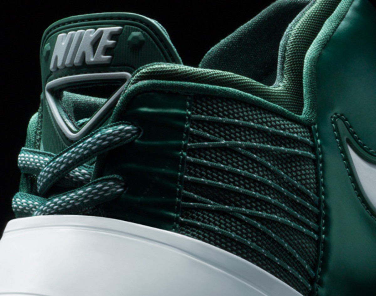 darrelle-revis-nike-zoom-revis-officially-unveiled-14