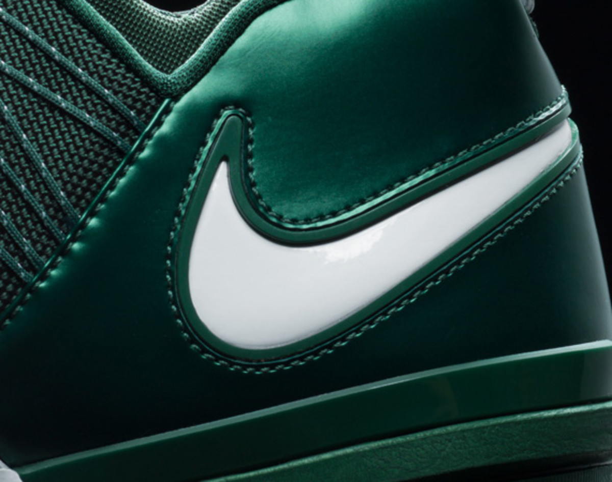 darrelle-revis-nike-zoom-revis-officially-unveiled-08