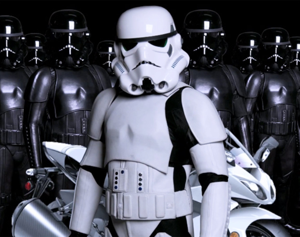 universal-designs-storm-trooper-motorcycle-suit-01