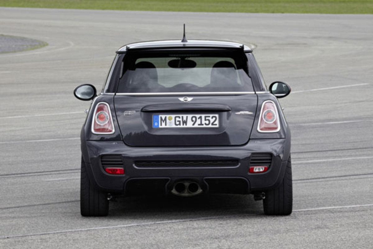 2013-mini-john-cooper-works-gp-08