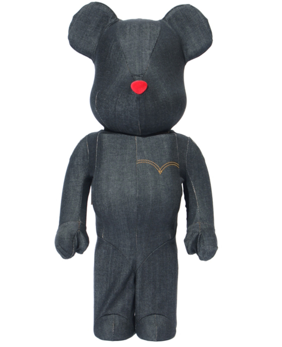 levis-medicom-toy-black-denim-bearbrick-02