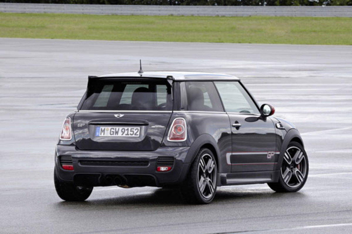 2013-mini-john-cooper-works-gp-03