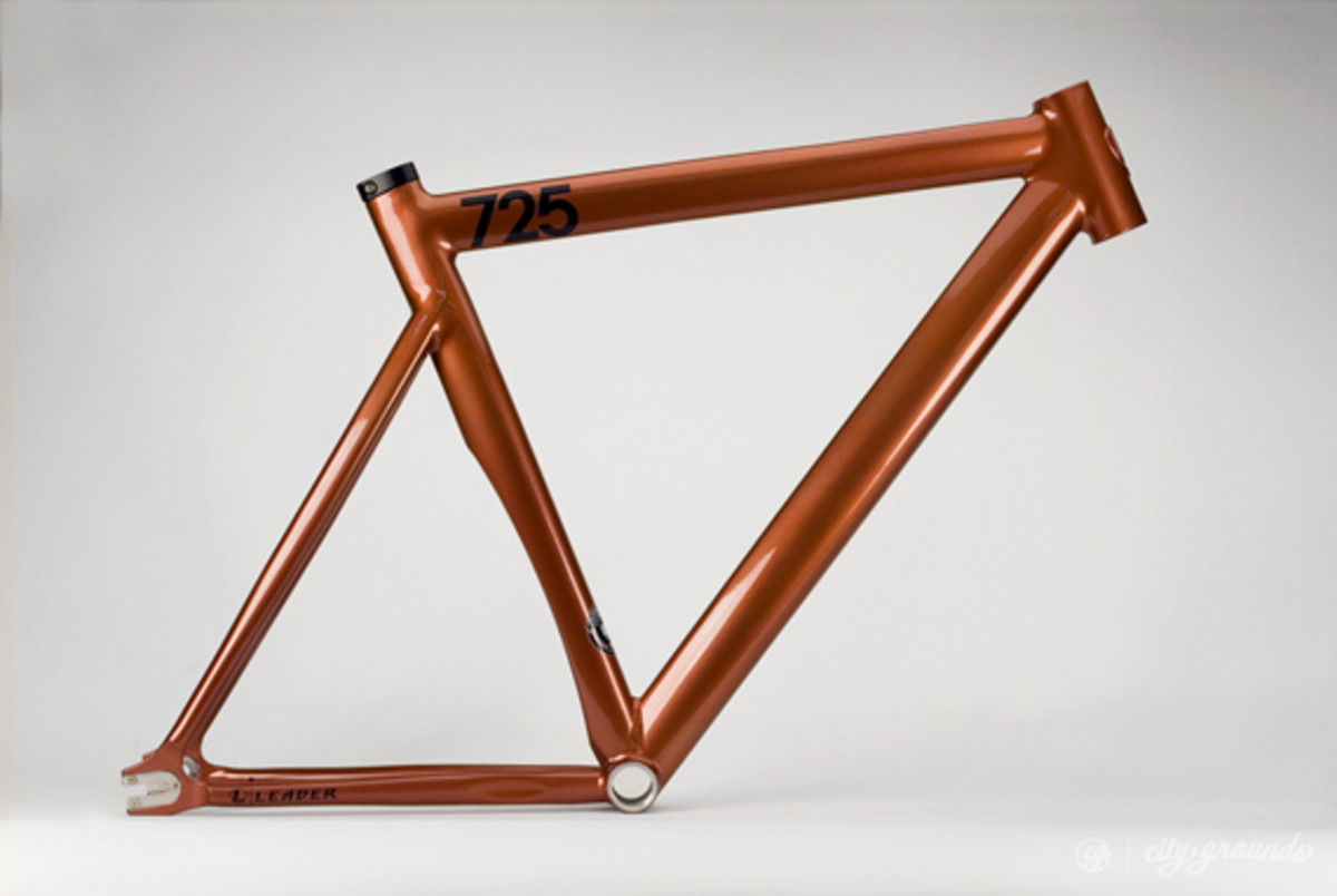 city-grounds-leader-2013-725-mid-ltd-fixed-gear-frame-03