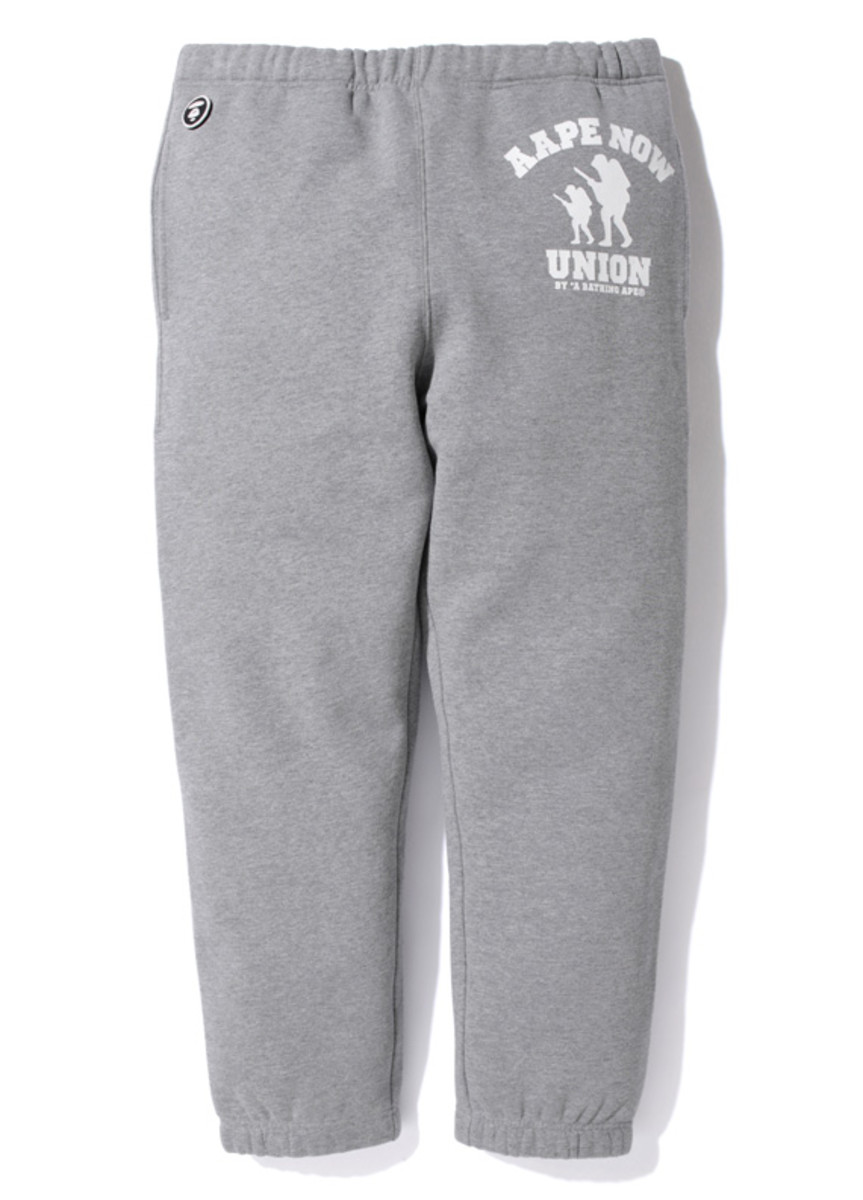 aape-footsoldier-union-sweat-pants-01