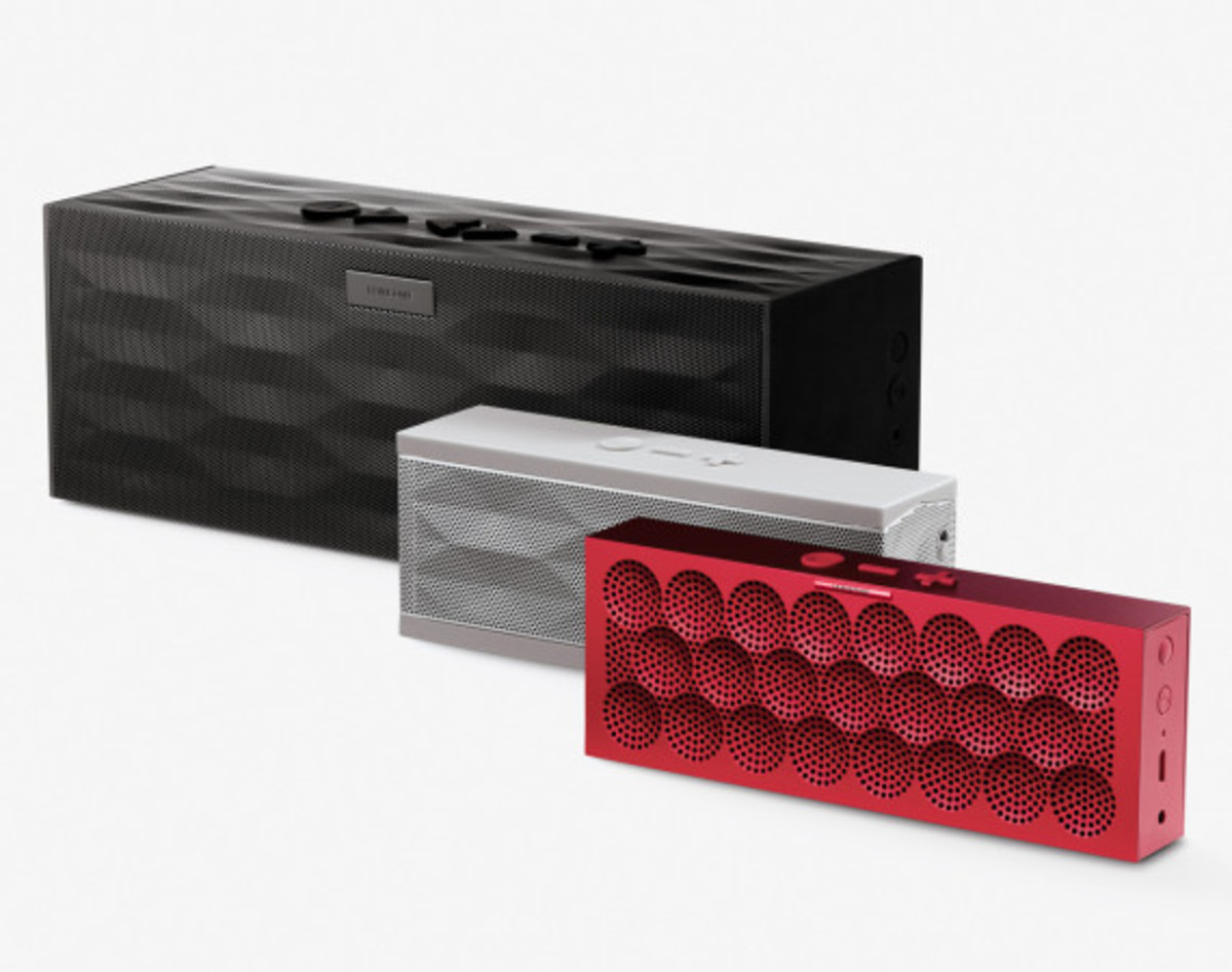 jawbone-mini-jambox-wireless-speaker-group-01