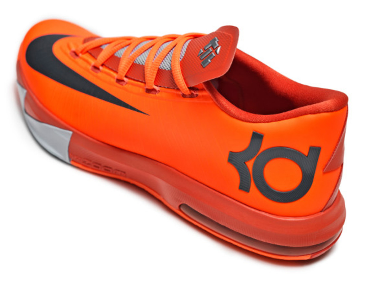 nike-kd-6-nyc-66-pays-tribute-to-rucker-park-performance-04