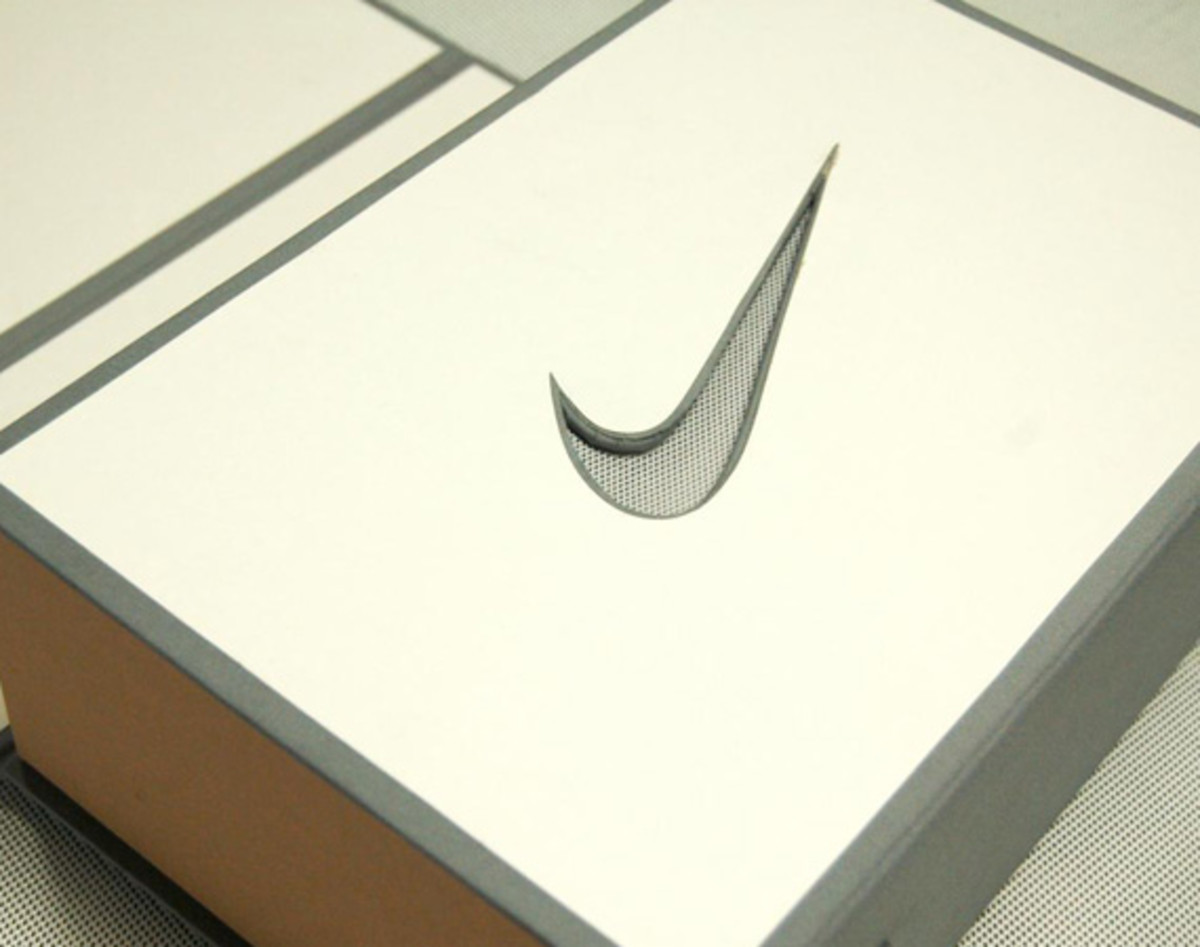 clot-x-nike-air-max-1-sp-special-packaging-classic-chinese-book-binding-05