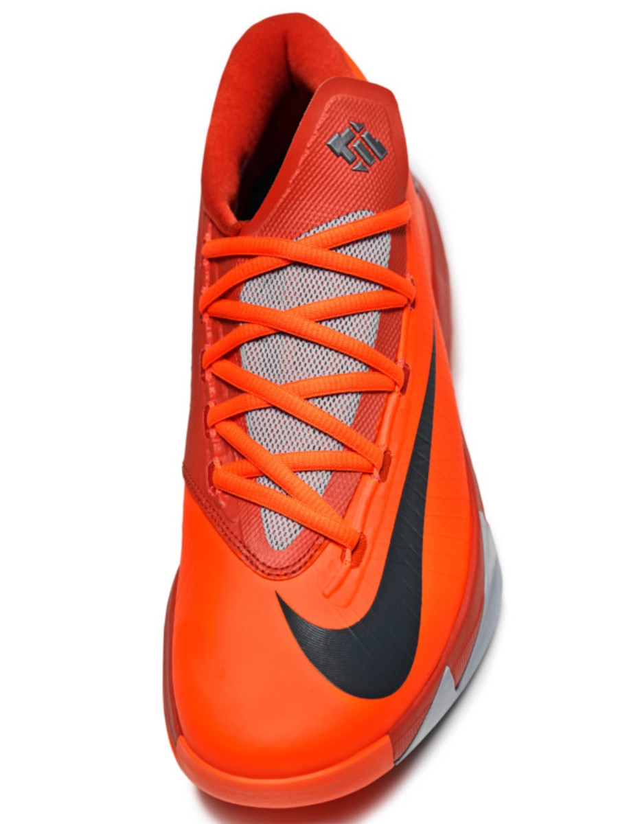 nike-kd-6-nyc-66-pays-tribute-to-rucker-park-performance-07