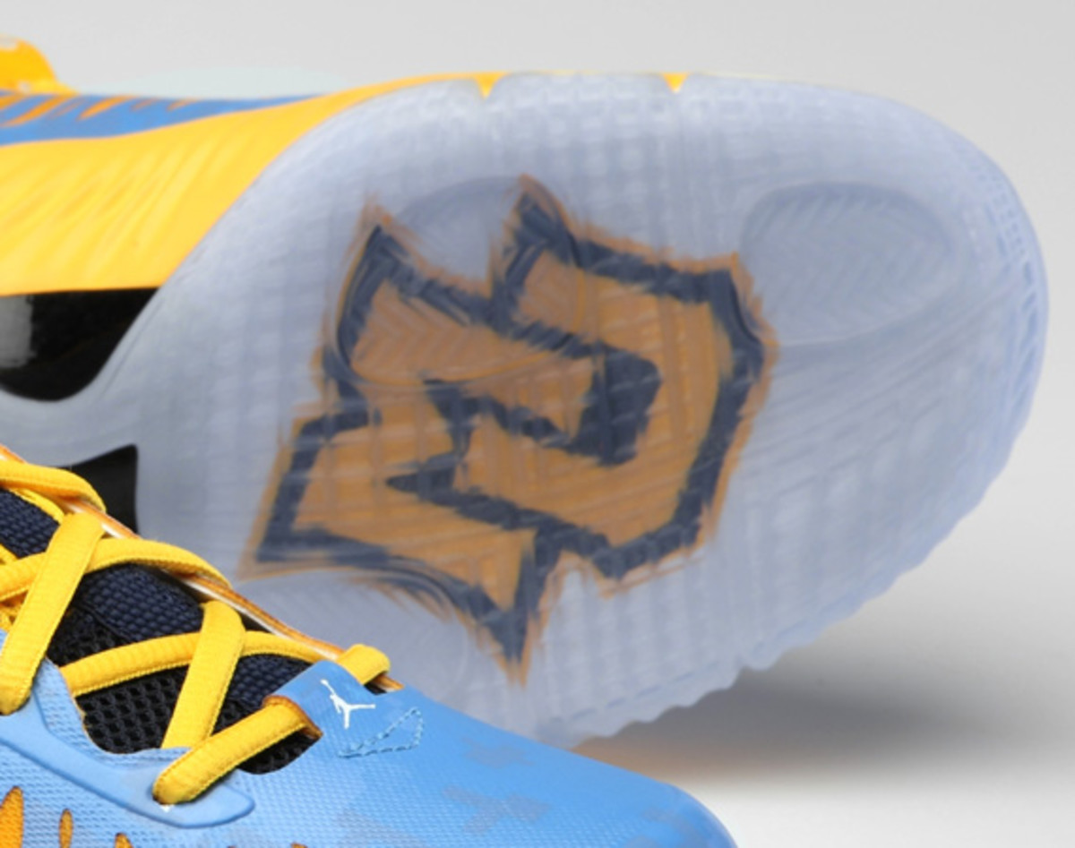 jordan-super-fly-marquette-digital-camouflage-editions-03