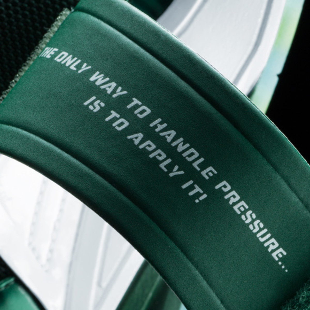darrelle-revis-nike-zoom-revis-officially-unveiled-20
