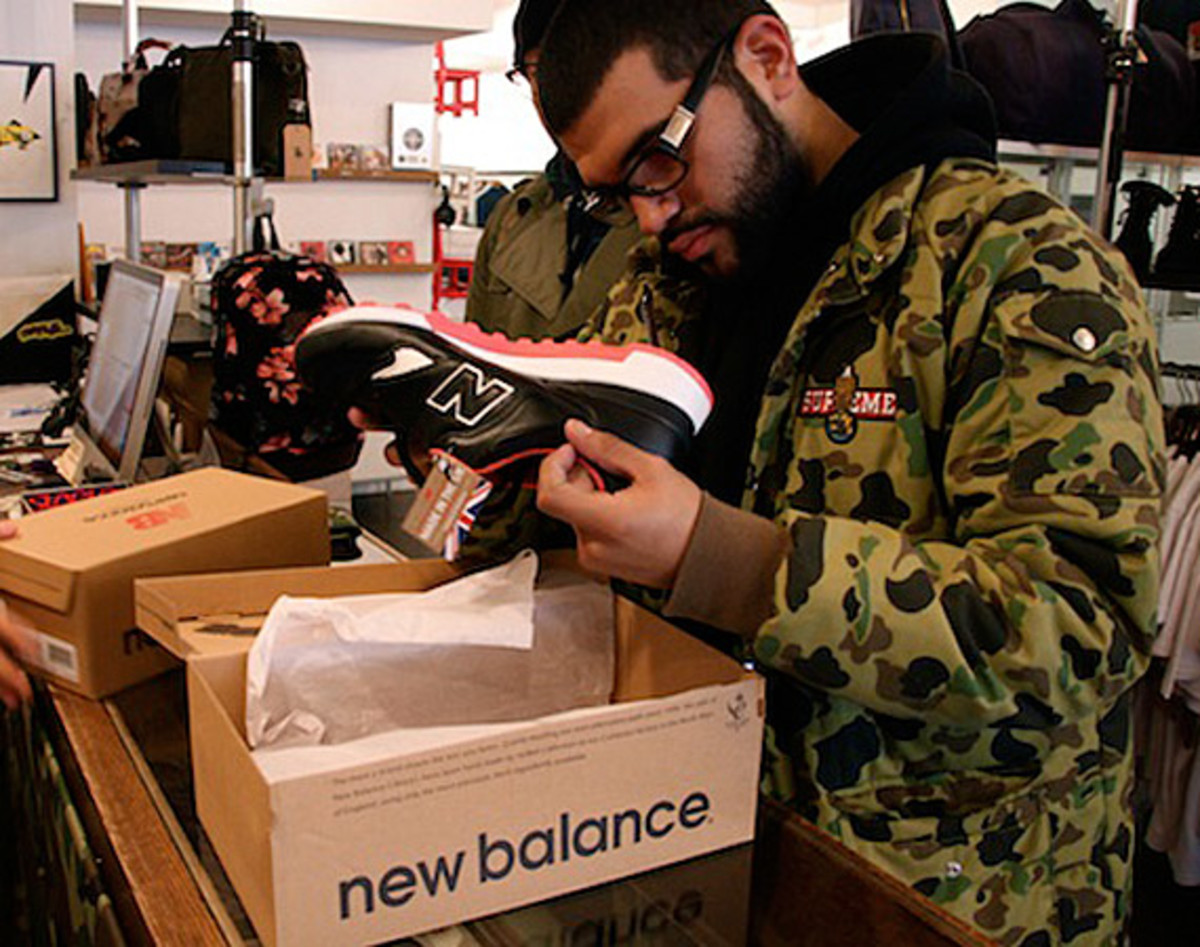 size-staple-design-new-balance-577-black-pigeon-launch-recap-01