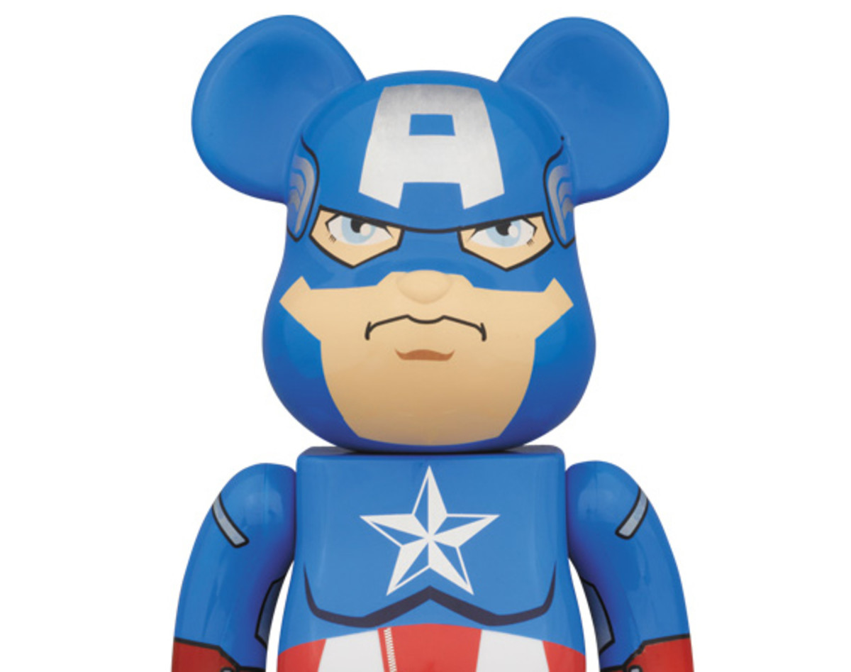 marvel-comics-medicom-toy-captain-america-bearbrick-400-01