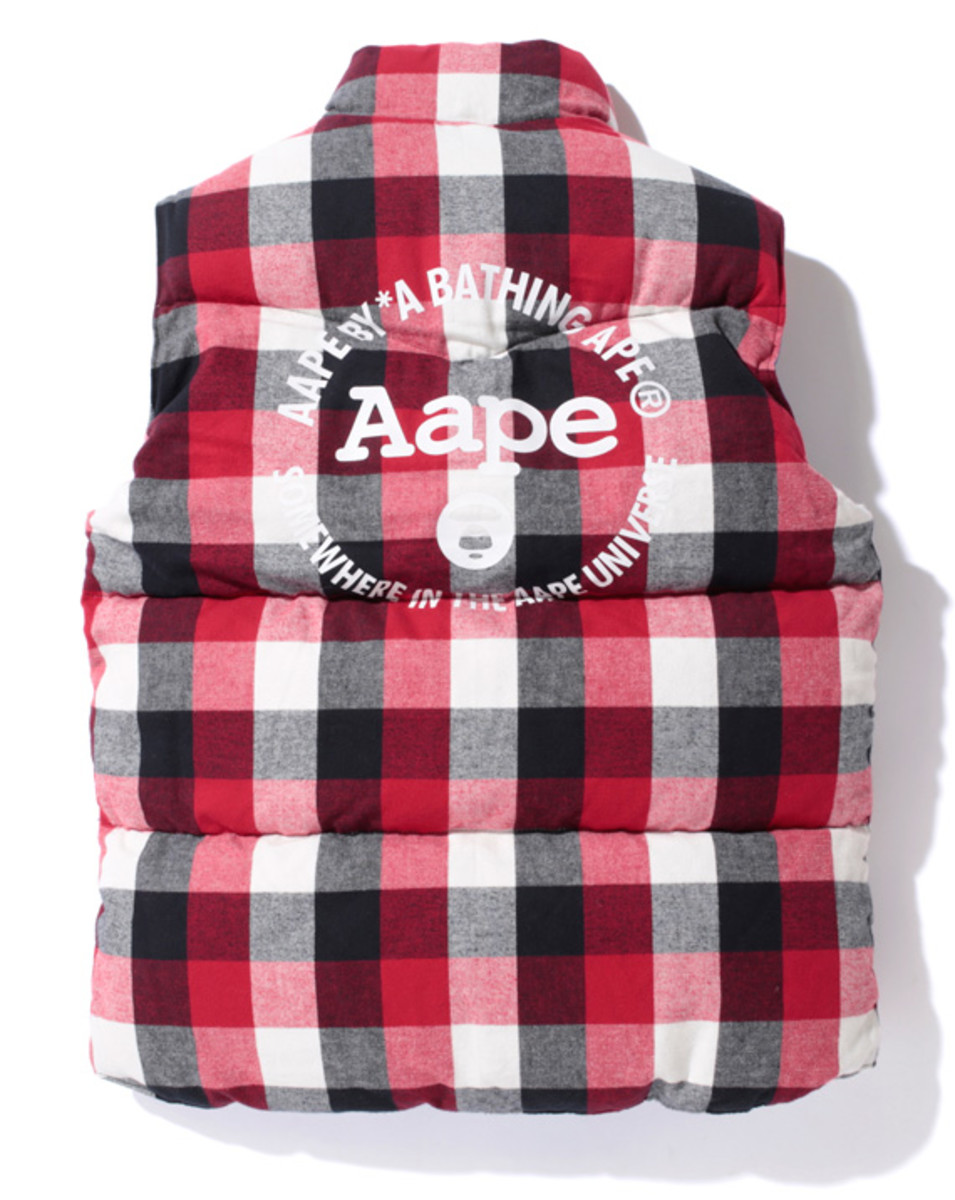 aape-outdoor-reversible-down-vest-01b