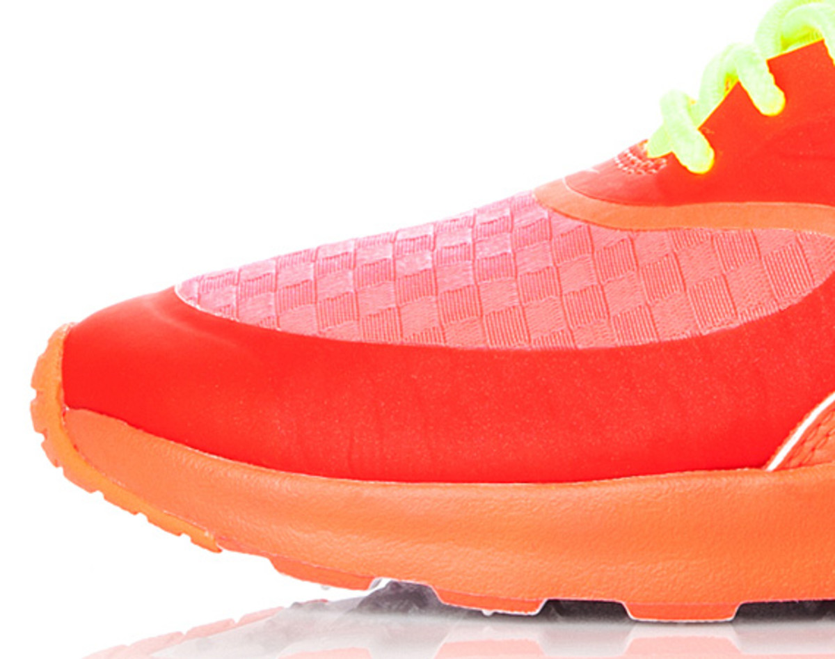 nike-air-max-thea-woven-unveiled-15