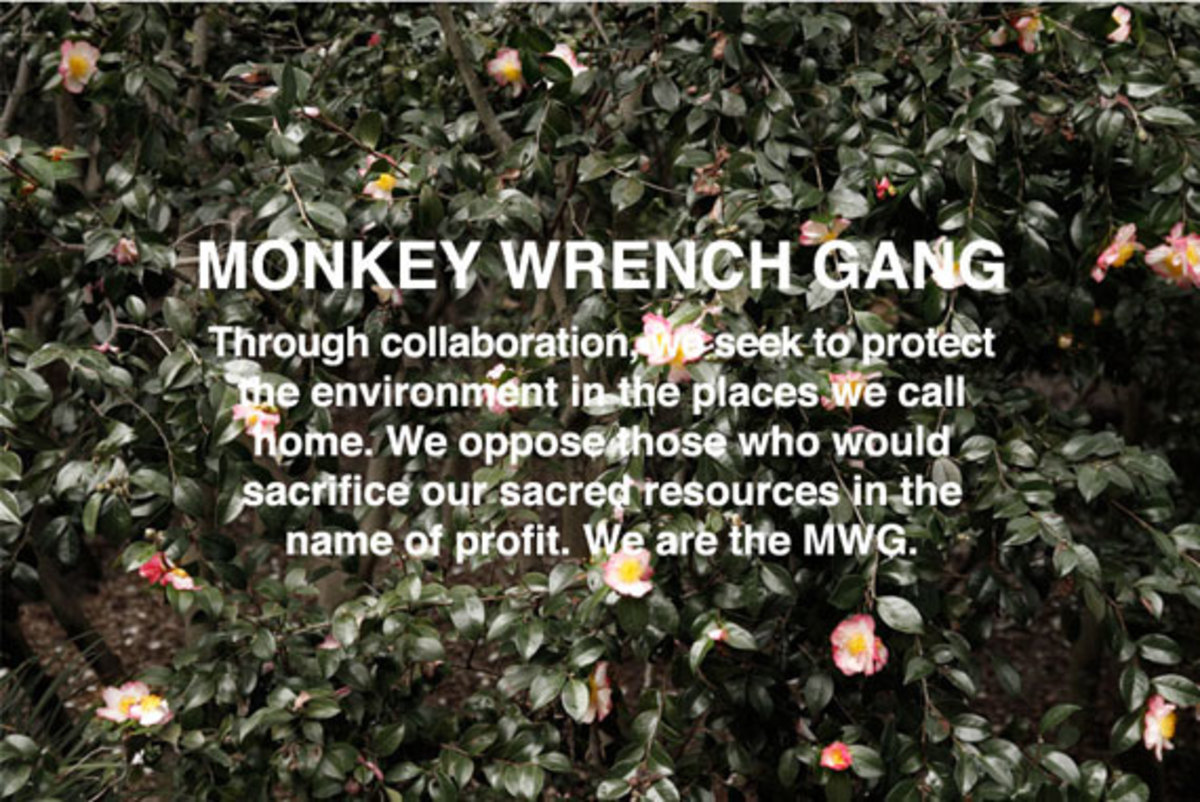 x-large-akomplice-the-monkey-wrench-gang-collection-16