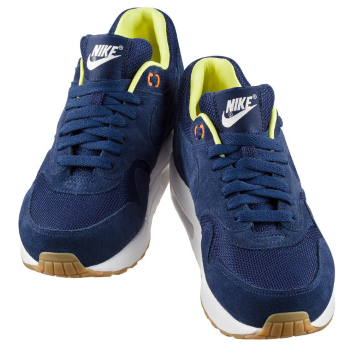a-p-c-x-nike-air-maxim-1-available-now-16