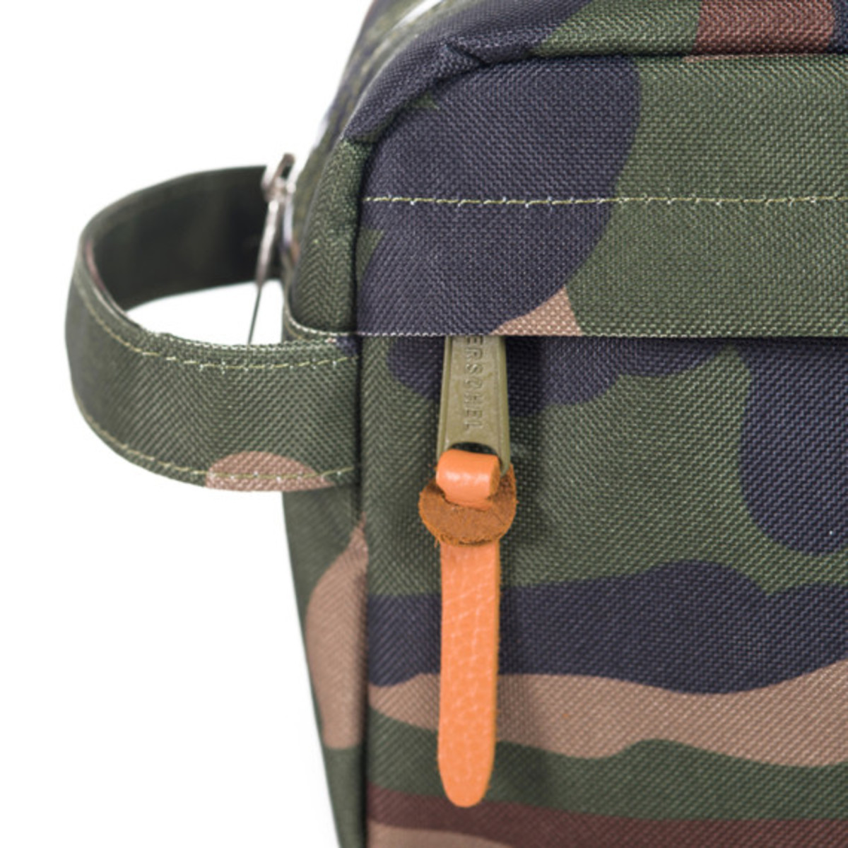 herschel-supply-co-fall-2013-travel-collection-18
