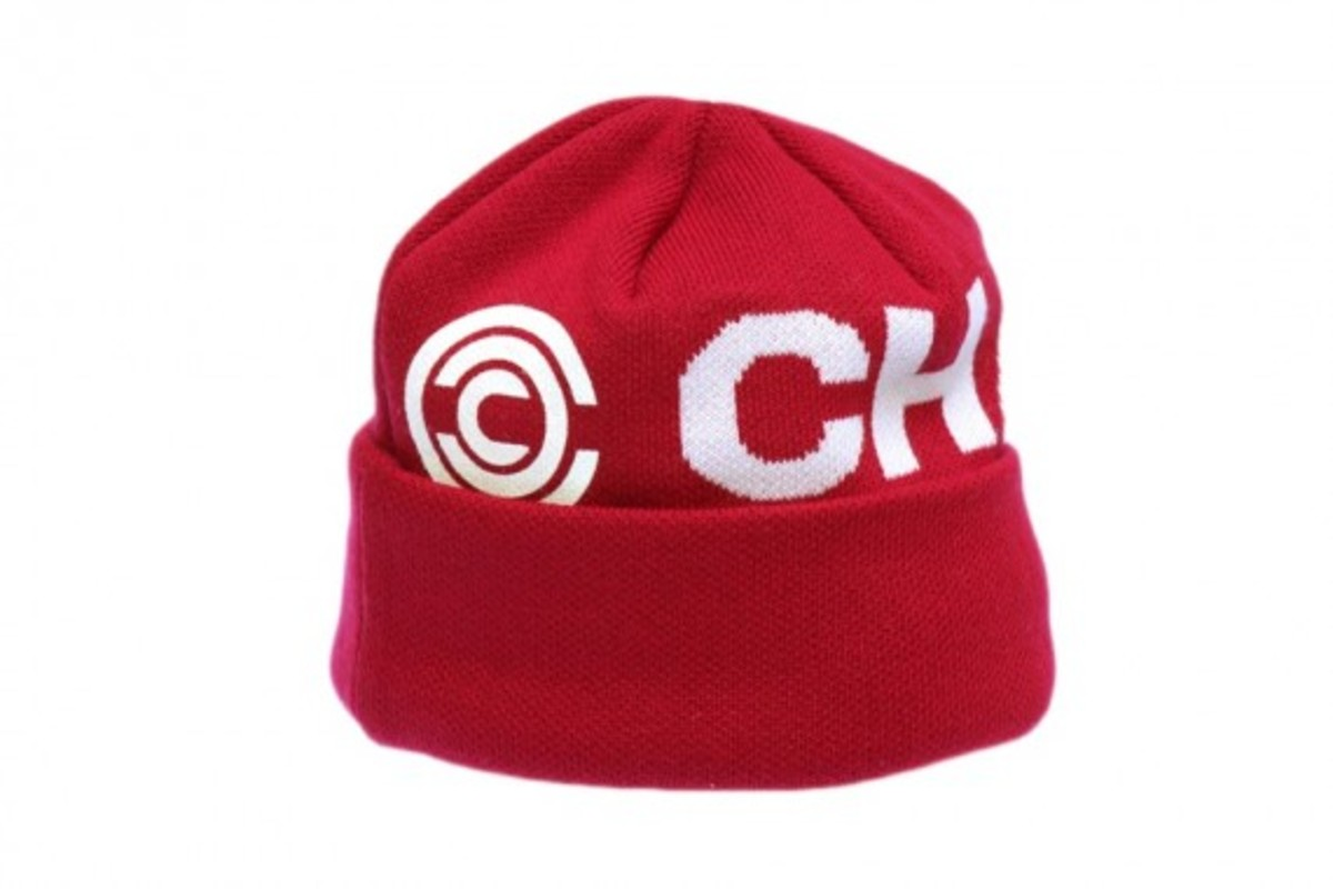 chari-n-co-glow-in-the-dark-watch-cap-05