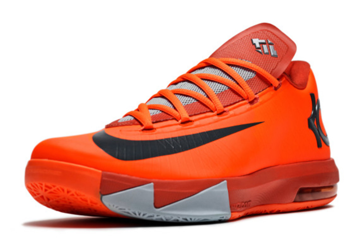 nike-kd-6-nyc-66-pays-tribute-to-rucker-park-performance-03
